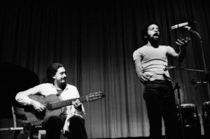 Nanà Vasconcelos e Egberto Gismonti by Roberto Masotti