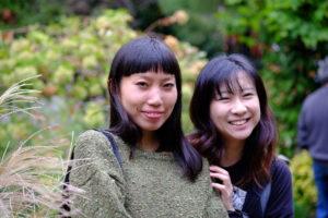 蓮見令麻(左)、吉田野乃子